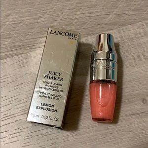 Lancome Juicy Shaker Lip Oil (300 Lemon Explosion)